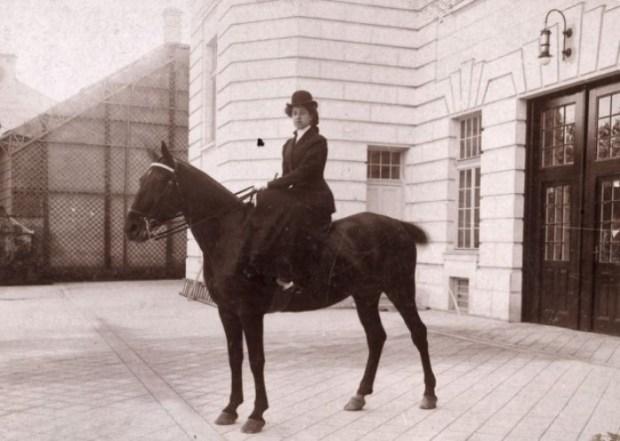 Мерседес Еллинек, 1905   Фото: locomotions.ru
