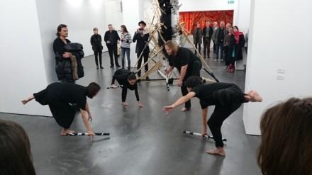 "Drachenperformance Turmoil von Yuan Gong.  Aufführung am 8. November 2014 in der Sammlung Falckenberg zur Eröffnung der Ausstellung ""Secret Signs"""