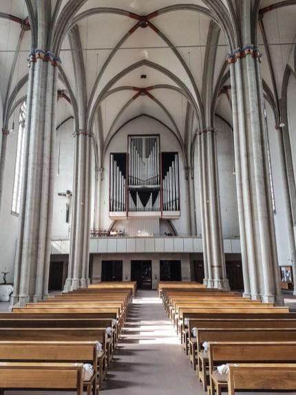 Blick auf die Orgel. Sie stamm von der Firma Johannes Klais aus Bonn und wurde 1965 erbaut.