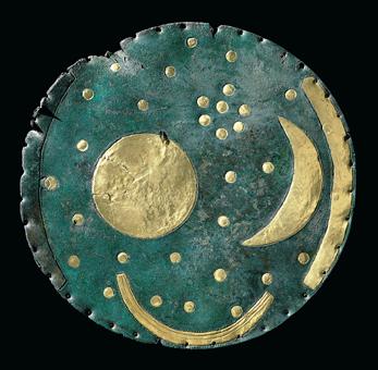 Himmelscheibe von NebraBronze und Gold, ca. 1600 v. Chr.© Landesamt für Denkmalpflege und Archäologie Sachsen-Anhalt, Foto: Juraj Lipták