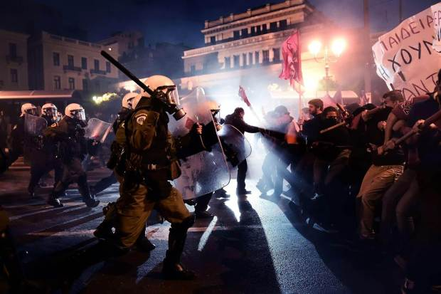 pc-athens-protests-01-1512_9f828d4cbe3ada33eefa9fb0f45ebe53.nbcnews-ux-1280-900