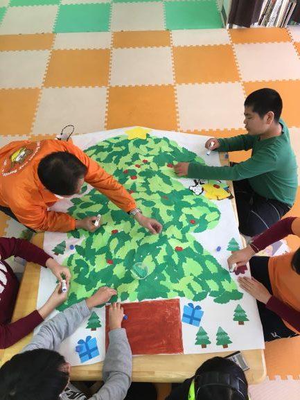 壁のツリー7