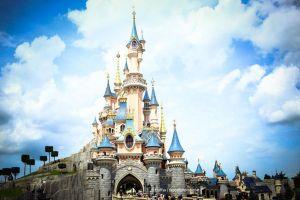Walt Disney Schloss (Bild: Fluffya via depositphotos)