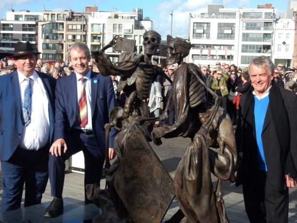 De Cultuurprijs van de stad Sint-Niklaas gaat naar Kunst in de Stad voor de realisatie van het beeldenpaar 'Johanna en Margaretha van Constantinopel 1217' van de hand van Frans Heirbaut uit Sinaai.