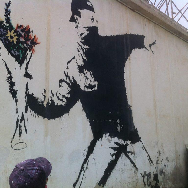 Banksy Blumenwerfer