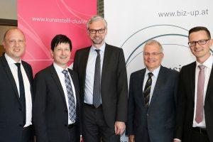 Elmar Paireder (Leiter des KC, Büro Linz), Dr. Friedrich Kastner (Sprecher des KC-Beirats), Dr. Michael Strugl (Wirtschaftslandesrat Oberösterreich), Ing. Harald Bleier (Leiter des KC, Büro St. Pölten), Di (FH) Christian Altmann (Leiter Clusterland Oberösterreich)