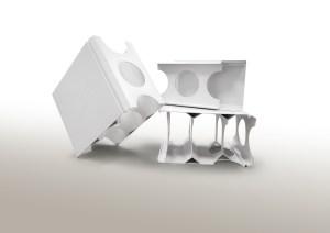Stabilisatoren von Chemson ebnen den Weg für innovative Wandschalungs-Elemente aus PVC. Die Systeme sind wasserfest und garantieren dadurch eine ausgezeichnete Luftqualität, Schimmelbildung wird vermieden. Die Paneele sind langlebig und dauerhaft stabil.   Foto: Chemson