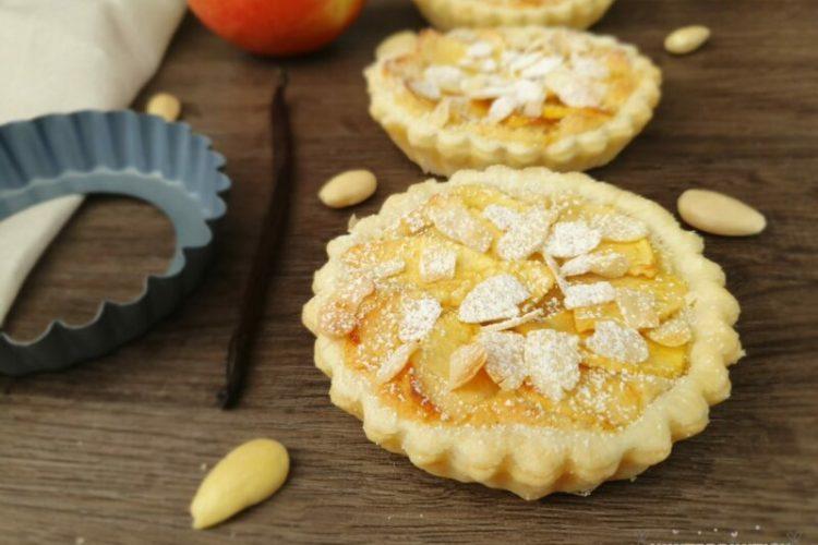 Apfeltartelettes Blätterteig Mandeln Mandelcreme frangipane