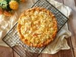 Versunkener Apfelkuchen mit Marzipan und Knuspertrick