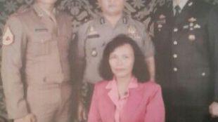 Kapolsek Ciawi, Kompol Nelson Siregar beserta keluarga.
