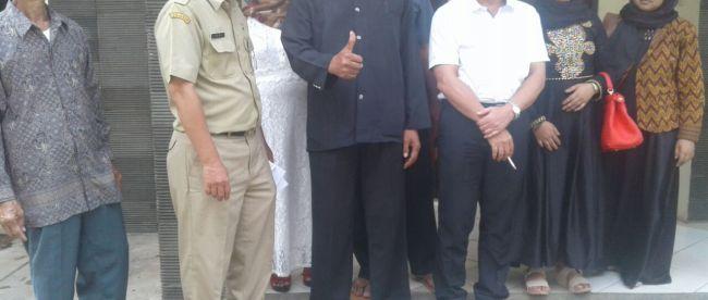 Kabid Kebudayaan Disbudpar Kabupaten Bogor (berbaju putih) menerima kunjungan dari pemerhati budaya (dok. Irfan/KM)