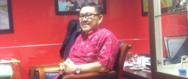 Irjen (Purn) Eddy Kusuma Wijaya saat memberikan keterangan pada KM di ruangannya. (dok. KM)