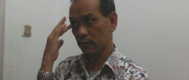 Kepala Dinsosnakertrans Kab. Bogor Yos Sudrajat saat di wawancara awak media (dok. KM)