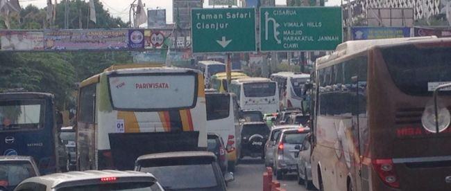 Kemacetan di jalan menuju kawasan Puncak, Kabupaten Bogor (dok. KM)