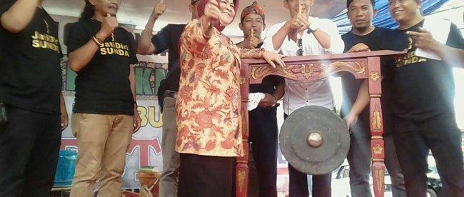 Bupati Bogor Nurhayanti meresmikan rest area Semesta di jalur Puncak, Kamis 23/11 (dok. KM)