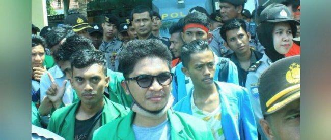 Dokumentasi aksi Forum Bersama Mahasiswa (Forbesma) Aceh beberapa waktu lalu di Depan kantor Pengadilan Negeri Lhokseumawe (dok. Raz/KM)