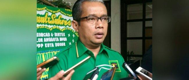 Ketua DPC PPP Kota Bogor Zaenul Mutaqin saat diwawancarai awak media, Minggu 7/10/2018 (dok. KM)