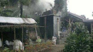 Tungku Pembakaran Sampah Yang Dikelola Mursyid di Desa Cikeas, Kabupaten Bogor (dok. Tar/KM)