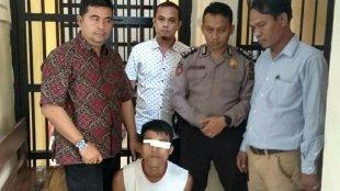Tersangka kasus pencabulan yang diamankan pihak kepolisian WD (25) di Mapolsek Perhentian Raja, Kabupaten Kampar, Riau (dok. KM)