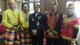 Ketua Umum LEMTARI Suhaili Husein Datuk Mudo bersama pengurus LEMTARI dari Sulawesi (dok. KM)