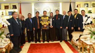 Ketua DPR RI Bambang Soesatyo menerima Pengurus Besar Ikatan Dokter Indonesia (IDI) di ruang kerja Ketua DPR RI, Jakarta, Senin 25/03/2019