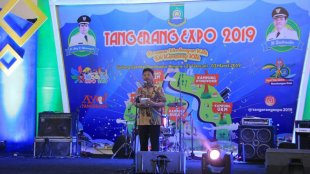 Wakil Walikota Tangerang Sachrudin memberikan sambutan pada penutupan Tangerang Expo ke-7 di Karawaci, Kota Tangerang pada hari Minggu 3/3/2019 (dok. KM)