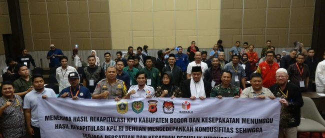Kapolres Bogor Beserta Forkopimda Hadiri Penutupan Sidang Pleno Tingkat Kabupaten Bogor, Rabu 8/5/2019 (dok. KM)