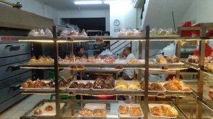 Berbagai varian roti produksi Rotte Bakery, Depok (dok. KM)