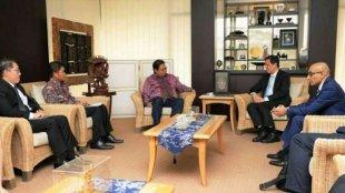 Menteri Perindustrian Airlangga Hartarto menerima kunjungan Menteri Industri dan Perdagangan Singapura Chan Chun Sing untuk kerja sama dalam bidang pengembangan pendidikan vokasi di Jakarta, Kamis 19/9/2019