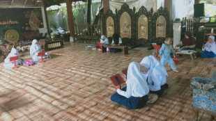 Suasana belajar bersama di Sanggar Suluk Nusantara, Depok 27/7/2020 (dok. KM)