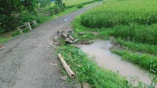 Kondisi jalan di Kp. Bangkalok, Desa Wirana, Pamarayan, Serang (dok. KM)