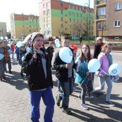 Radosny marsz ulicami miasta