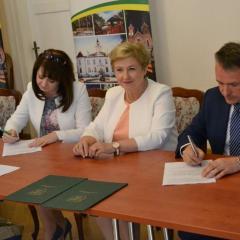 Ostrów Mazowiecka z umową na dofinansowanie ścieżek rowerowych