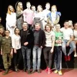 Uczniowie I LO PUL w Wołominie z teatrem za pan brat