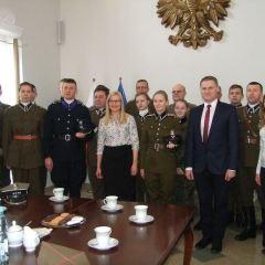 Nowe mundury od Gminy Pułtusk dla Grupy Rekonstrukcji Historycznej 13 Pułku Piechoty