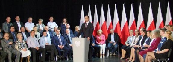 Premier Mateusz Morawiecki spotkał się z mieszkańcami Węgrowa