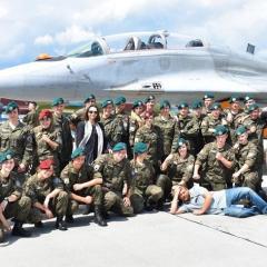 Licealiści z Wołomina na obchodach Święta 23. Bazy Lotnictwa Taktycznego