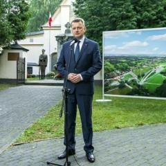 Błaszczak oficjalnie potwierdził – Muzeum w Ossowie powstanie do 2020 roku