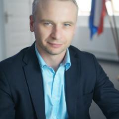 Radni podjęli uchwałę w sprawie niższego wynagrodzenia dla Wójta Radosława Korzeniewskiego