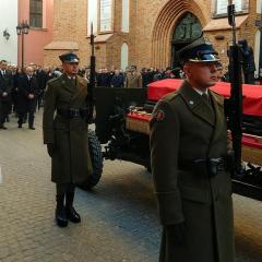 I my uczestniczyliśmy w pożegnaniu śp. Premiera Jana Olszewskiego