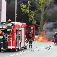 O problemach strażaków z gminy Radzymin… – Groźny pożar samochodu dostawczego