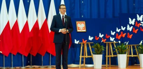 """Premier Mateusz Morawiecki złożył wizytę w radzymińskiej """"Stalowej Jedynce"""""""