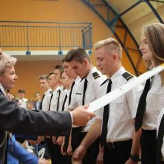 Starosta Ostrowski na ślubowaniu klas pierwszych CSL Technikum Lotniczego w Nagoszewie
