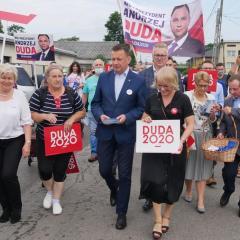Minister Mariusz Błaszczak z wizytą w Radzyminie, Wołominie i Poświętnem