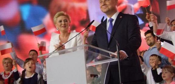 Wyjątkowy, energetyczny i radosny Wieczór Wyborczy Andrzeja Dudy w Pułtusku
