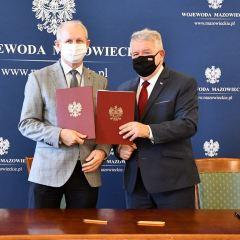 Wójt gminy Brańszczyk Wiesław Przybylski podpisał umowę na budowę dróg w Trzciańce i Dudowiźnie