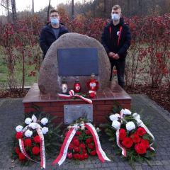 Radzymińska młodzież zdążyła odwiedzić miejsca pamięci i mogiły Bohaterów…