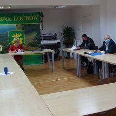 Podpisanie umów na drogi w Kamionnej i Ostrówku