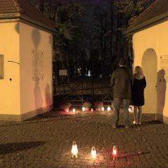W związku z zamknięciem cmentarzy Burmistrz Radzymina zaapelował do mieszkańców