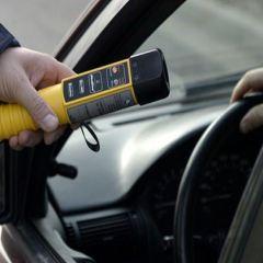 Kompletnie pijani kierowcy nie unikną odpowiedzialności. Na całe szczęście ich nieodpowiedzialne zachowanie nie doprowadziło do tragedii